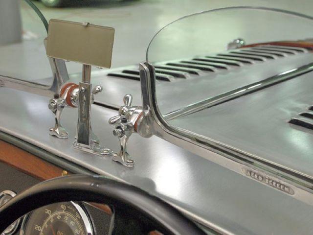 1936-morgan-4-4-windshield-bracketa.jpg
